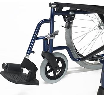 Apoios de pés abatíveis e desmontáveis com ajuste em longitude